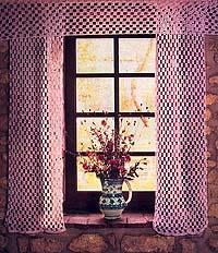Deux modèles de rideaux filet au crochet